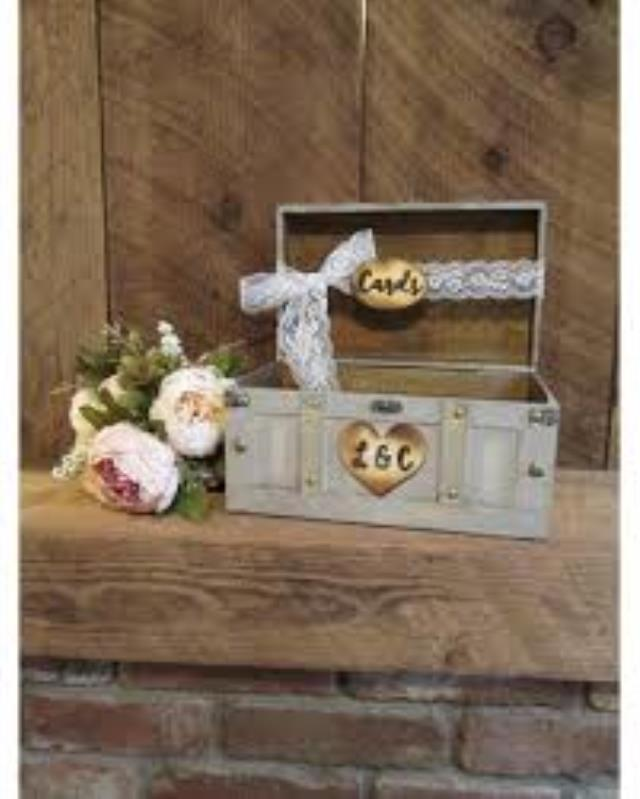 Where to find CARDBOX, WOODEN LACE BNR in Helena